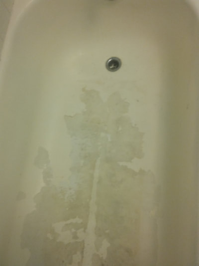 bathtub needs refinishing by Dallas Bathtub Refinishing.